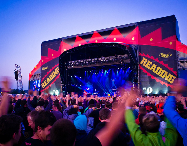 Elbow Rock the main stage at Reading Festival.