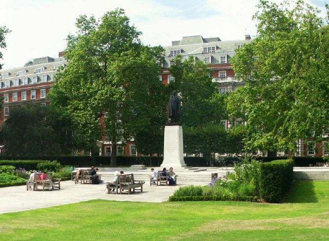 Grosvenor Square Garden. Image: panoramicearth.blogspot