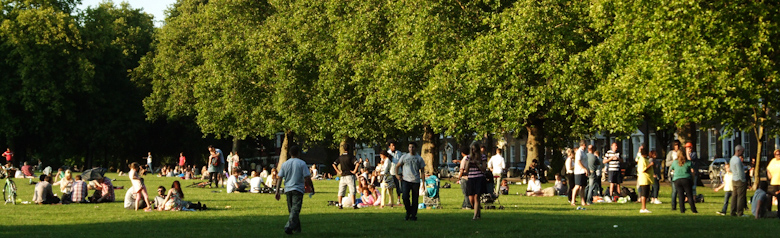 Top 3 barbecue friendly public spaces in london - Swimming pool highbury and islington ...