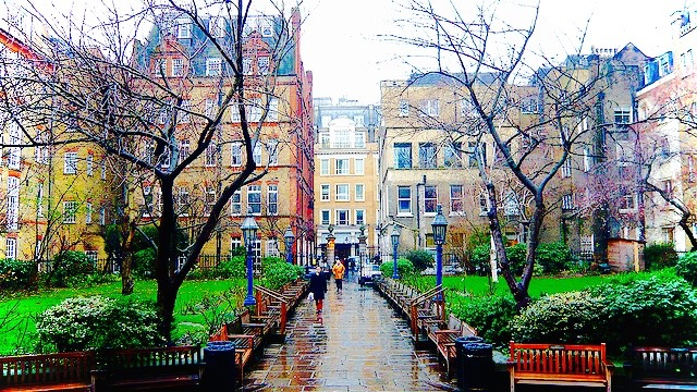 St Pauls Church Garden, Covent Garden. Image: Harry Rawford, Flickr