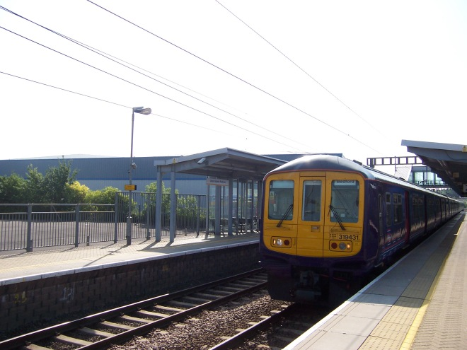 A train service from London to Bedford calls at Luton Airport Parkway. Image: Wikipedia
