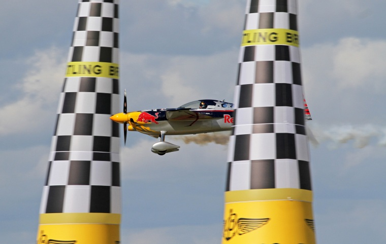 Kirby Chambliss wows the crowds navigating the air race course at the 2014 Red Bull Air Race. Image: Tony Hisgett, Flickr.